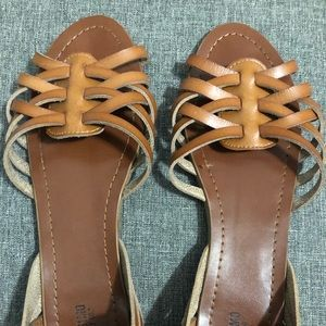 Mossimo huarache style sandals